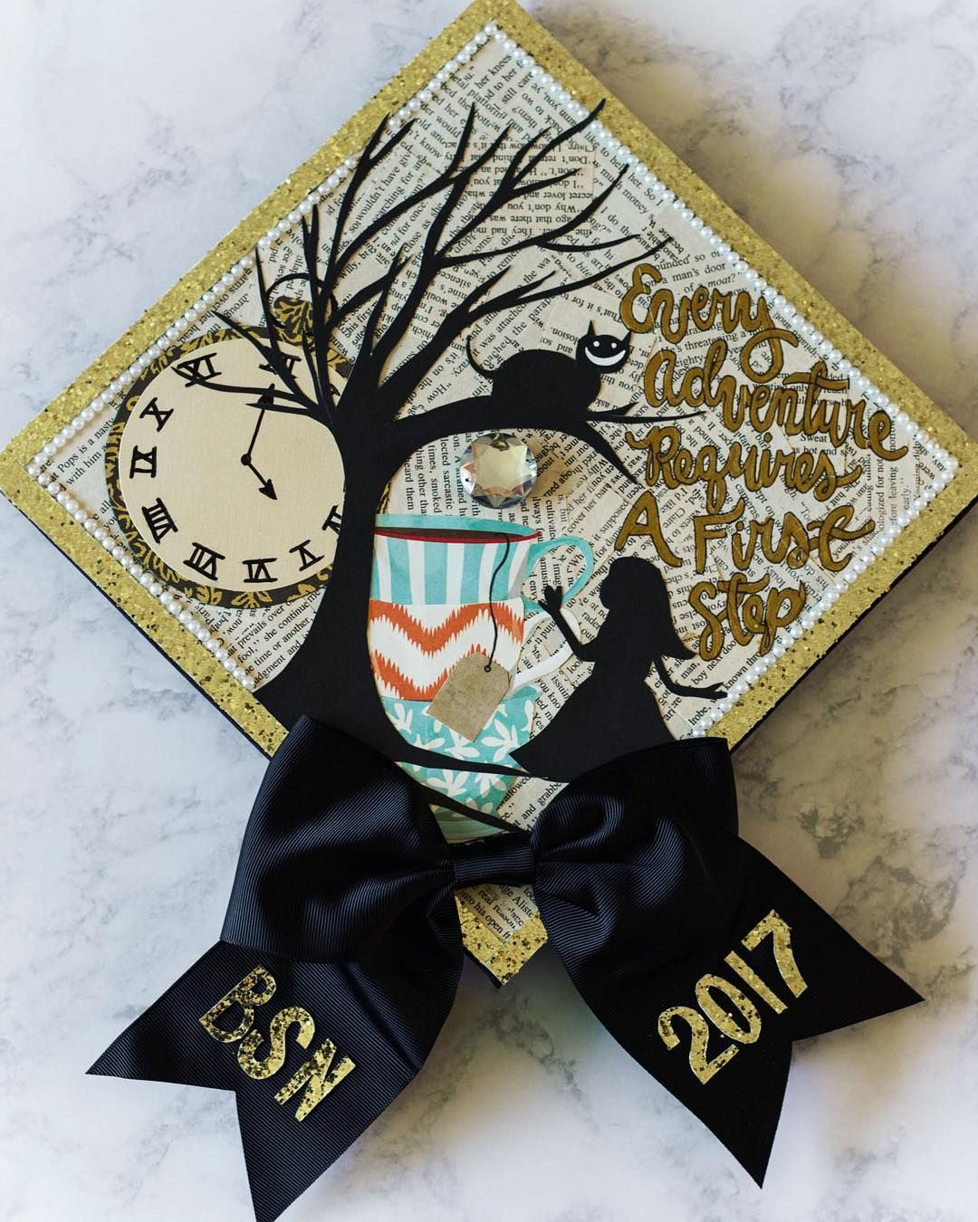 Alice In Wonderland Grad Cap Idea Follow Us Motivation2study