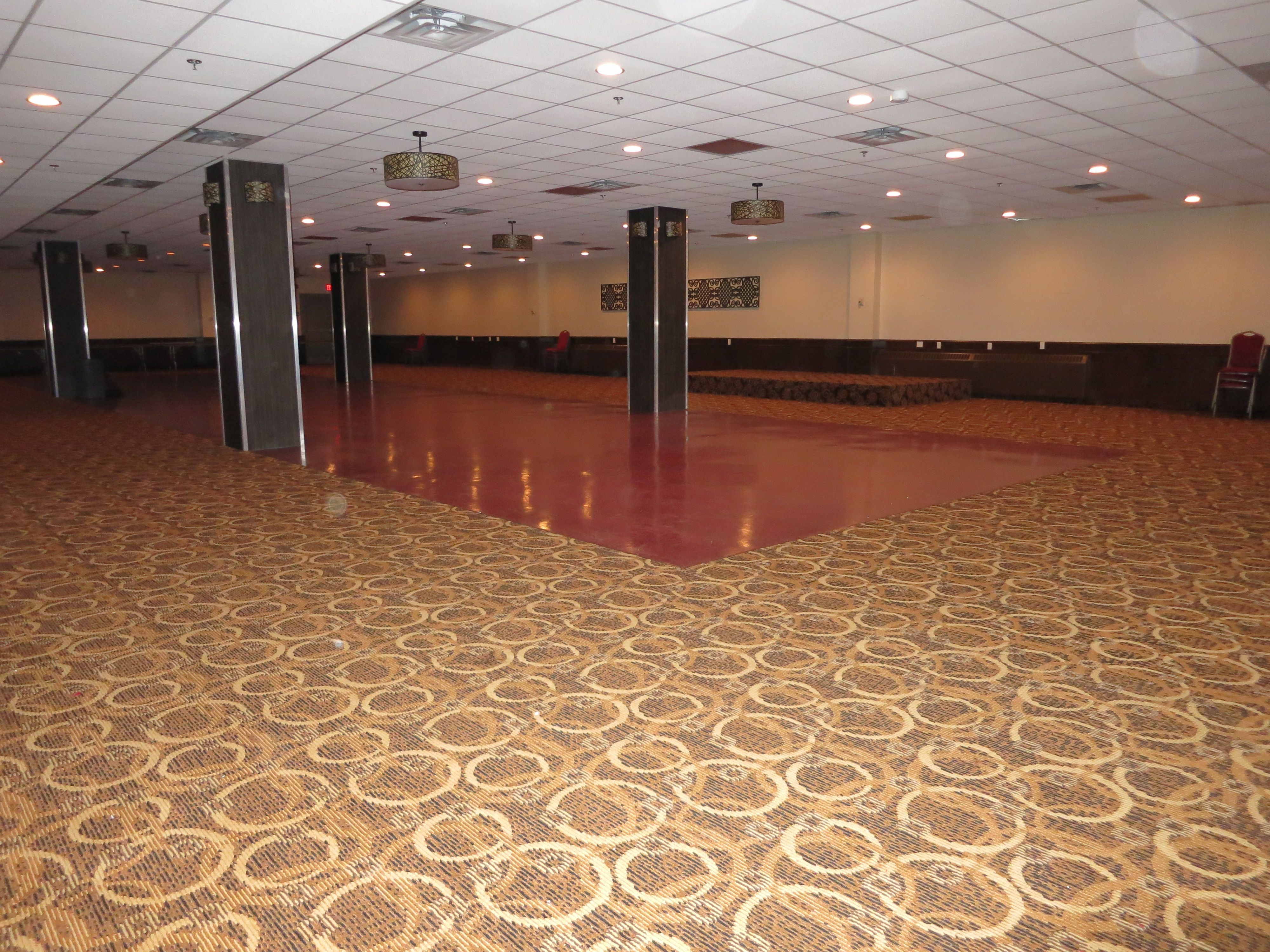 Yellowhead Inn - Veronica Ballroom - VenueJar.com The perfect place for your large events. Space for over 300 people.