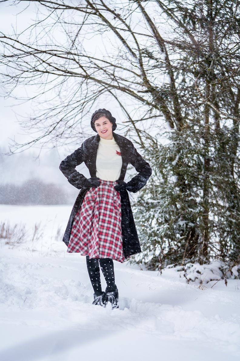 afb5430f92a9 Wie Hund und Katz: Ein warmes Retro-Outfit zum Gassi gehen im Winter ...