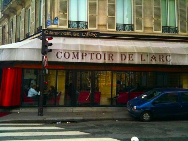 Critique  Le Comptoir de l\u0027Arc est une brasserie parisienne de l