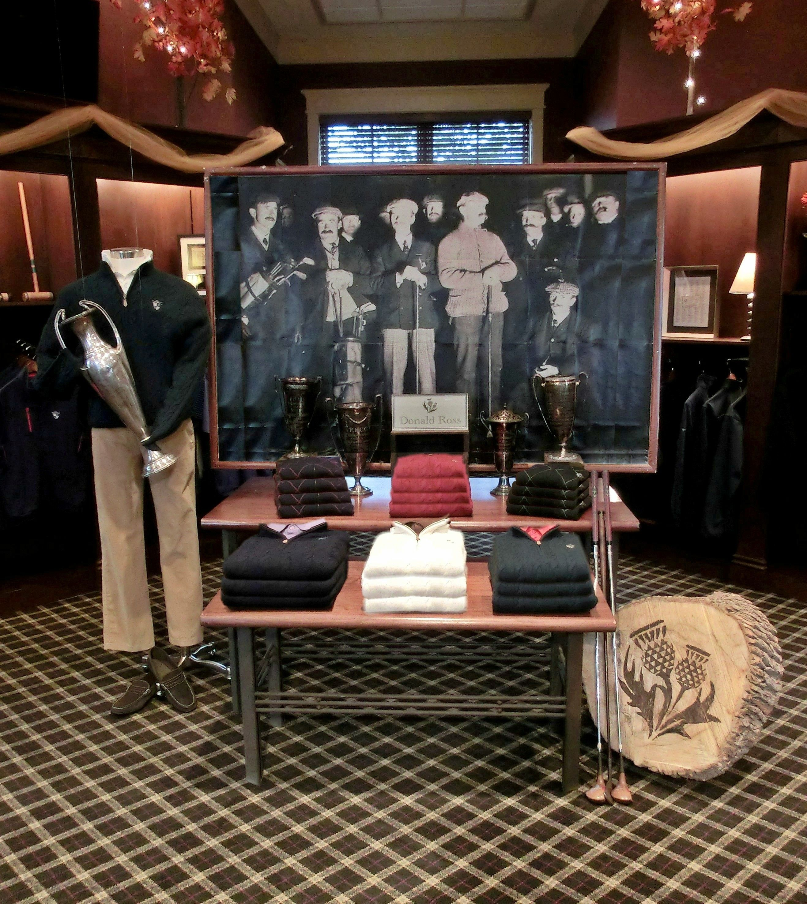 Donald Ross Night Putting Visual Golf Display Donald Ross Sportswear Fountain Head Country Club Hagerstown M Golf Pro Shop Golf Shop Visual Merchandising