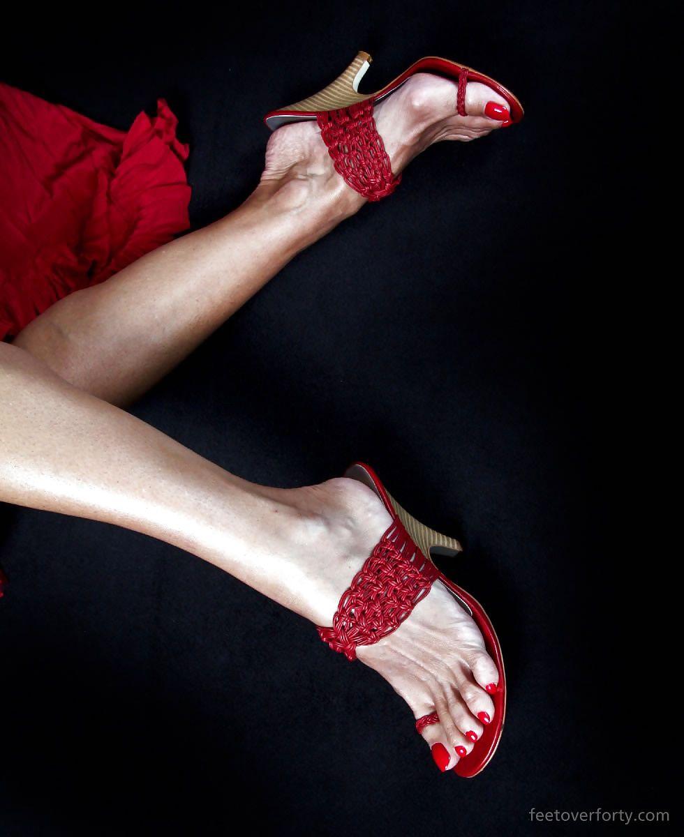 Mature Feet Sophia 23