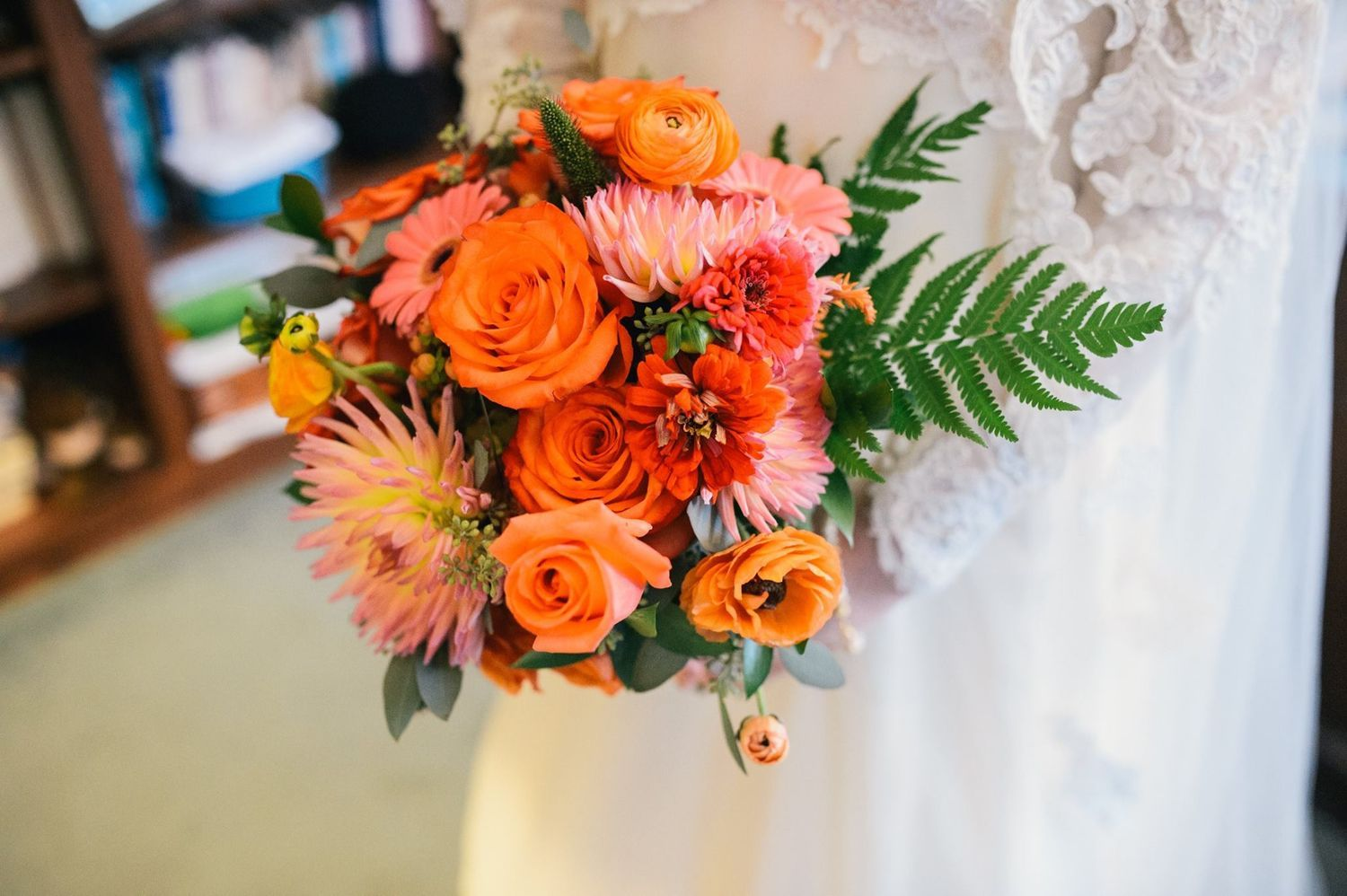 Using 2017 Pantone Colors in Your Wedding Weding bouquet