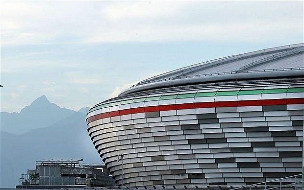 Outside Juventus Stadium Bangunan Arsitektur