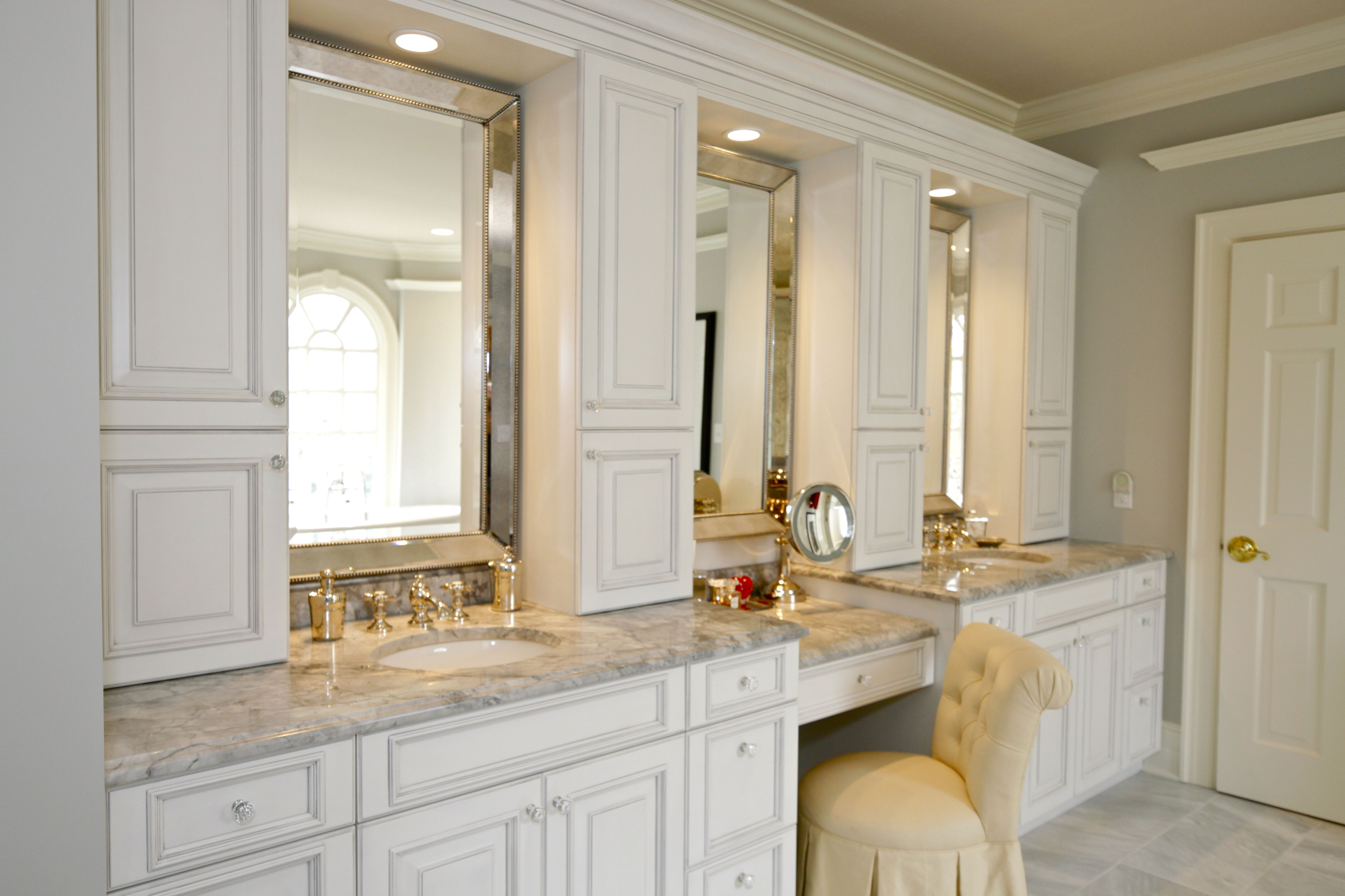 Holiday Kitchens Cabinets In Nordic White With A Matte Pewter Wash Featuring A Newcastle Door Style Dream Baths Colum Bathrooms Remodel Dream Bath Bathroom