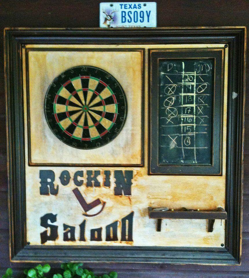 Rockin L Saloon Dartboard Dartspieler