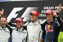Jenson Button, Brawn GP, Rubens Barrichello, Brawn GP, Mark Webber, Red Bull Racing e Matt Deane