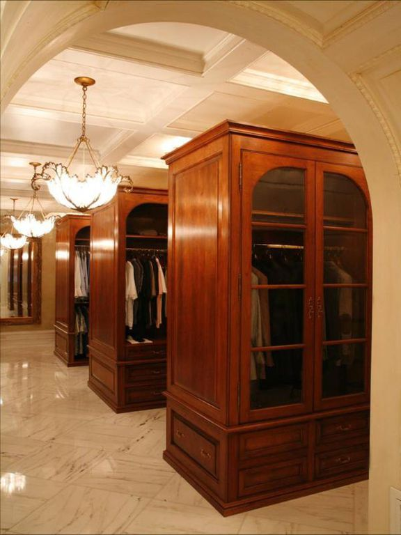 Restroom in I. Magnin with its marble walls, floors and