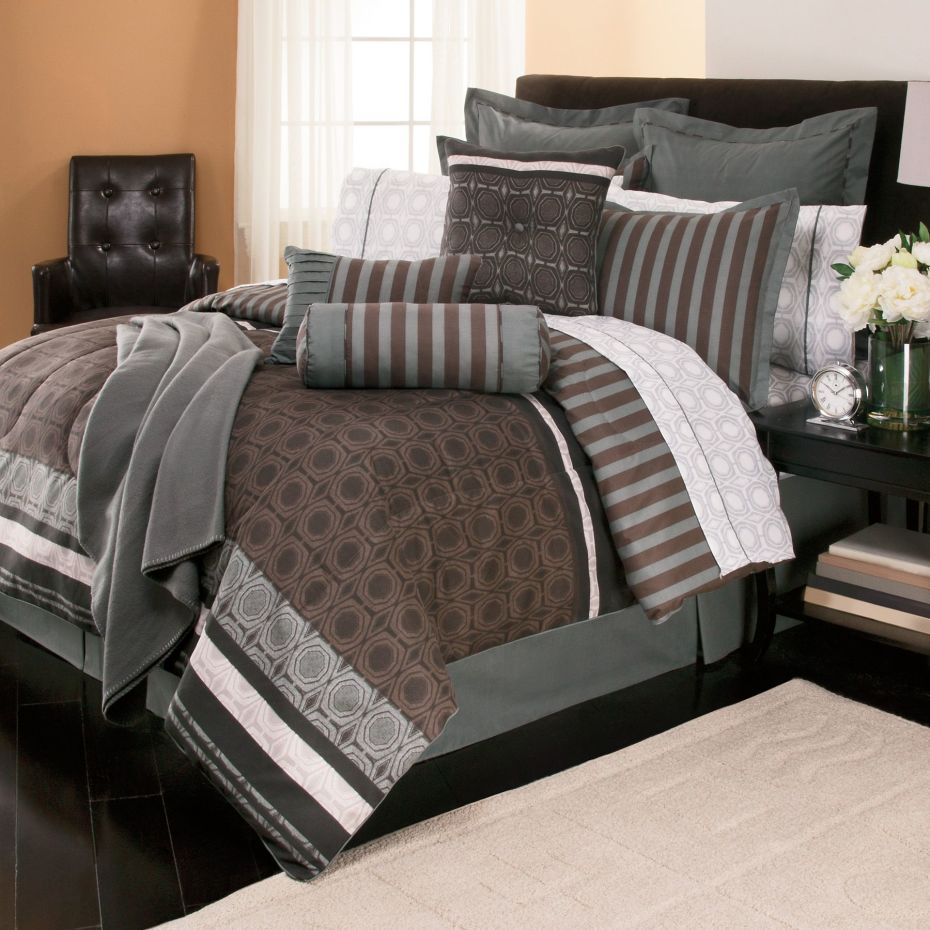 Modern Bedroom Ideas With Black Tufted Leather Arm Chair And Combination Grey Brown Themed Beds Bedroom Comforter Sets Cheap Comforter Sets Comfortable Bedroom