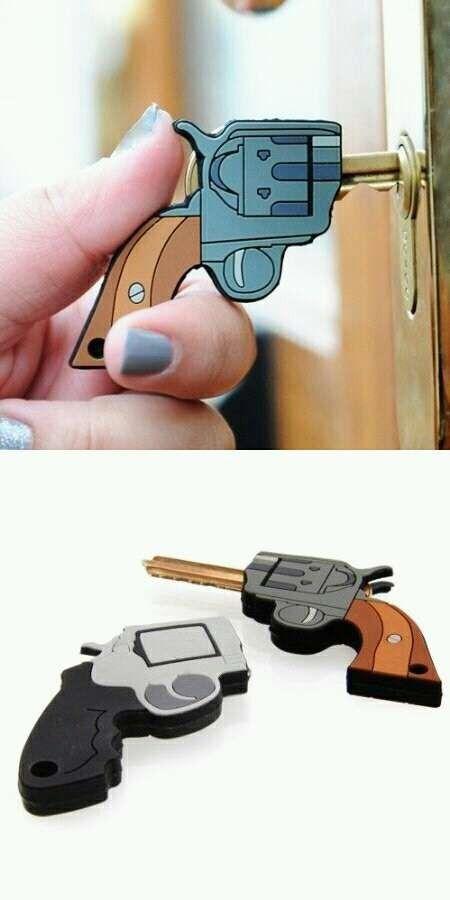 bang bang open up gun shaped key covers pistolet cl s et objet. Black Bedroom Furniture Sets. Home Design Ideas