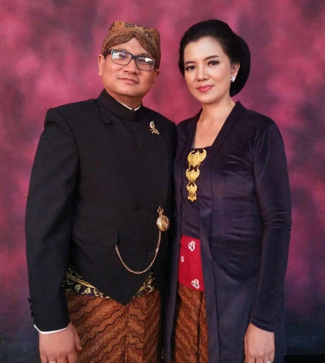 Photo of Kebaya Kutubaru . . . #kutubaru #batik #jahitbatik #batikkombinasi #fashion