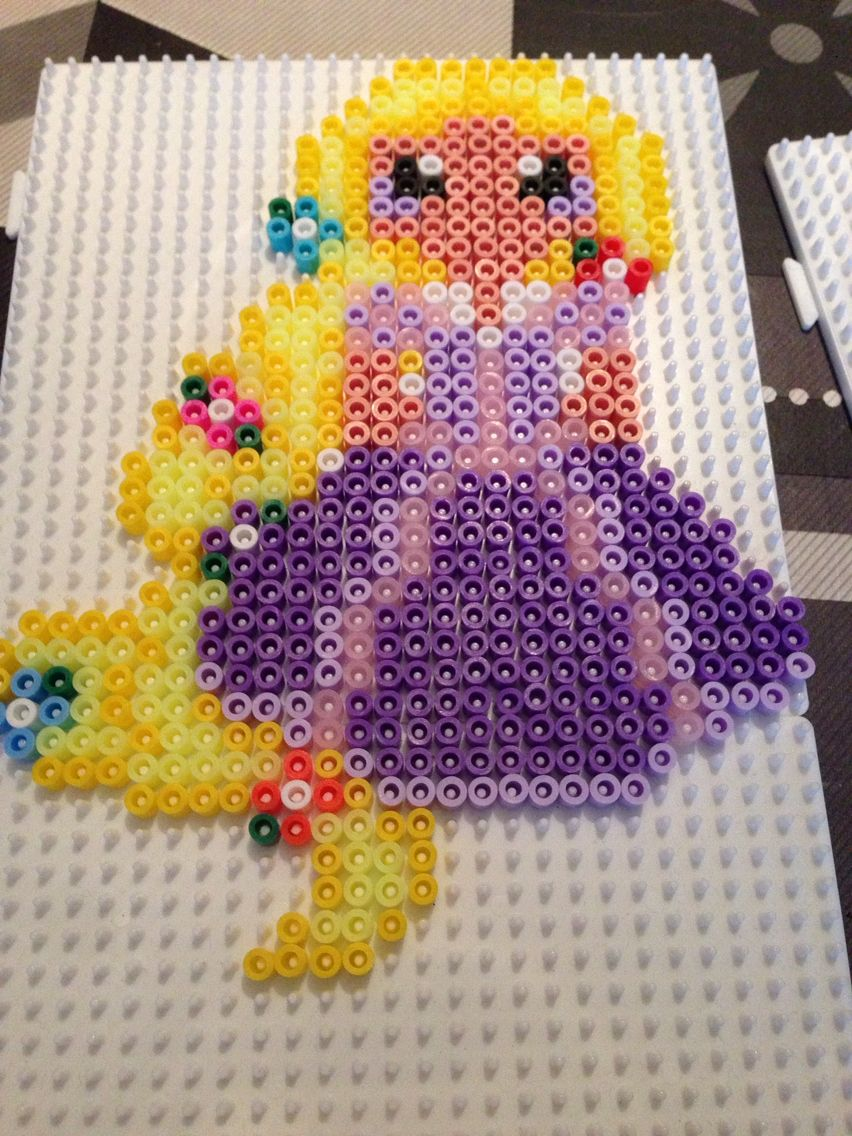 Princesse Raiponce Avec Images Princesse Raiponce Raiponce Perles A Repasser