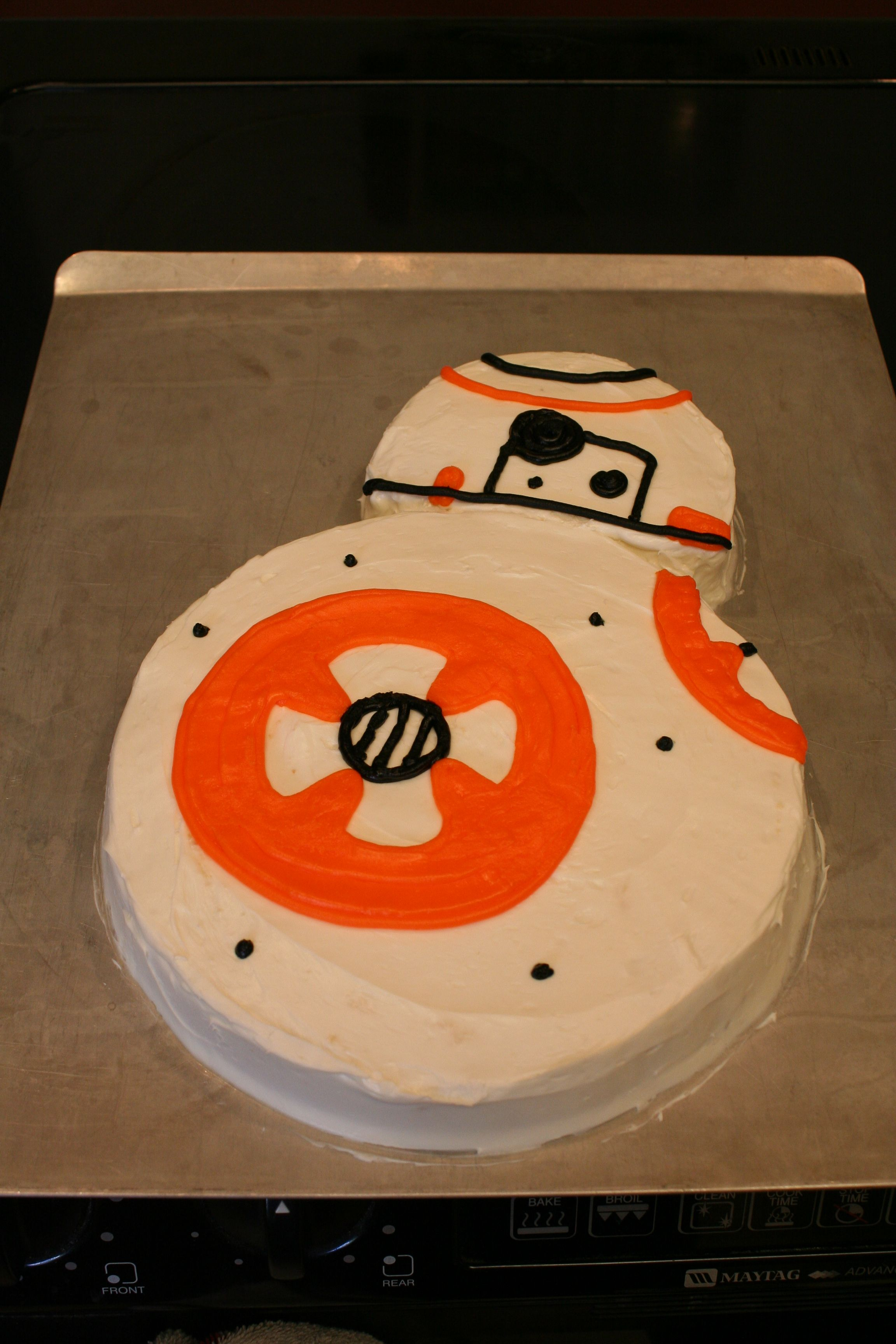 Bb 8 Droid Birthday Cake Just Make 2 Round Cakes And Carve
