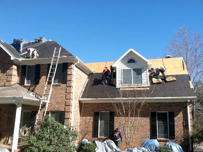 U S Shingle Roofing Boise Id Understands That Clean Up After The Job Is One Of The Homeowner S Biggest Concerns You Can With Images Shingling Roofing Roofing Contractors