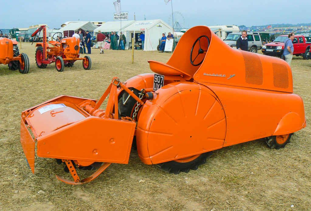 25 Things You Didn T Know About Porsche Vintage Tractors Porsche Classic Tractor