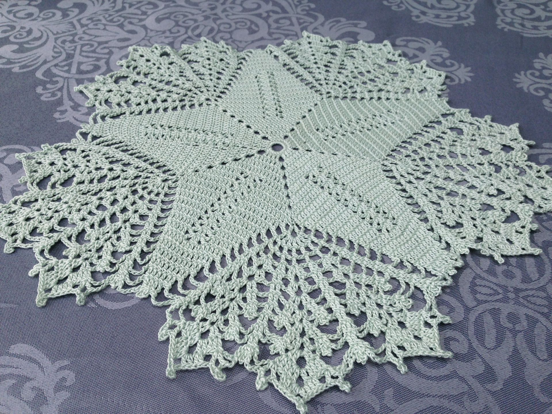 Grand Napperon Au Crochet dedans grand napperon vert menthe, au crochet et coton   doily - napperons