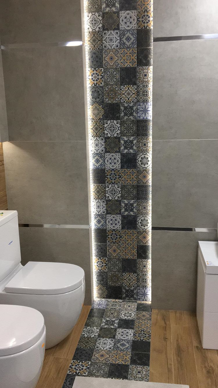 My Eye Immediately Went To The Lighted Wall Design I Chose This Because Of The Contrast And Edge Tile Bathroom Bathroom Wall Tile Design Bathroom Wall Tile