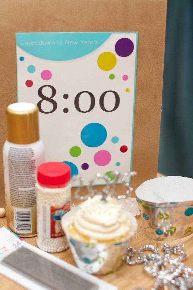 New Year's Eve Countdown Bag Ideas + Free Printables | New ...