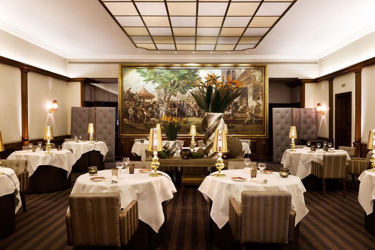 Au Crocodile 10 Rue De L Outre 67000 Strasbourg Strasbourg Restaurant Decor