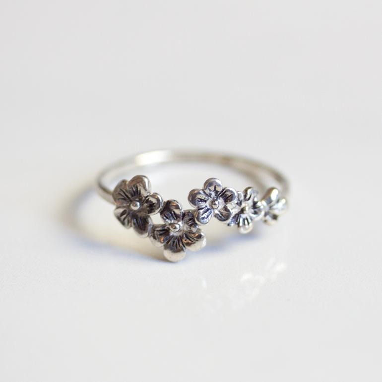 anillo flor de cerezo pandora