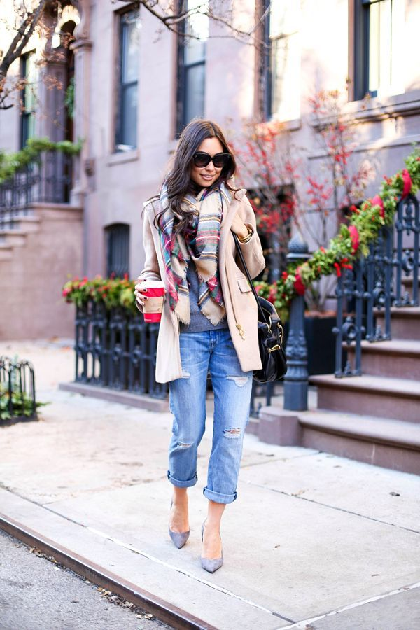 e29352f036db Kat Tanita from the blog With Love From Kat wearing ripped boyfriend jeans  with heels