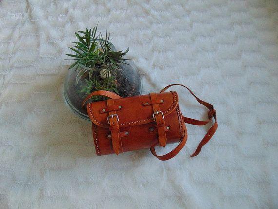 Vintage leren ibiza bohemian tasje/ bag/ tas in door Manrinavintage leather cross body shoulder bag purse hipster bohemian ibiza hippie