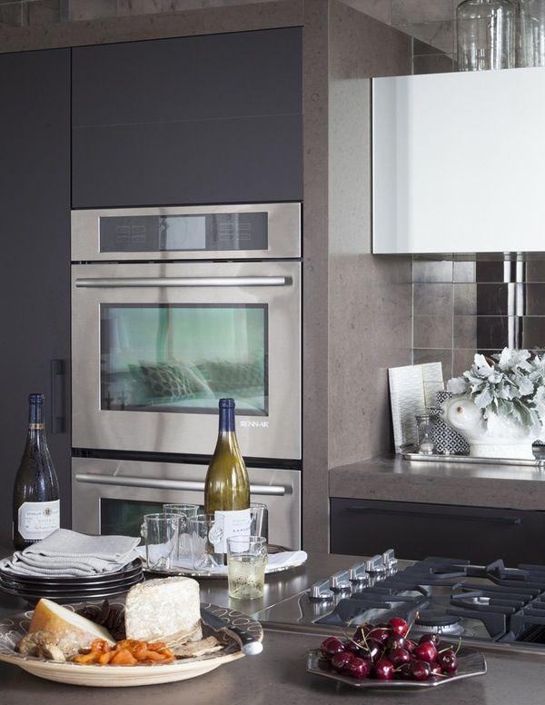 Veranda Kitchen in a close shot #poggenpohl #kitchen #grey #trend
