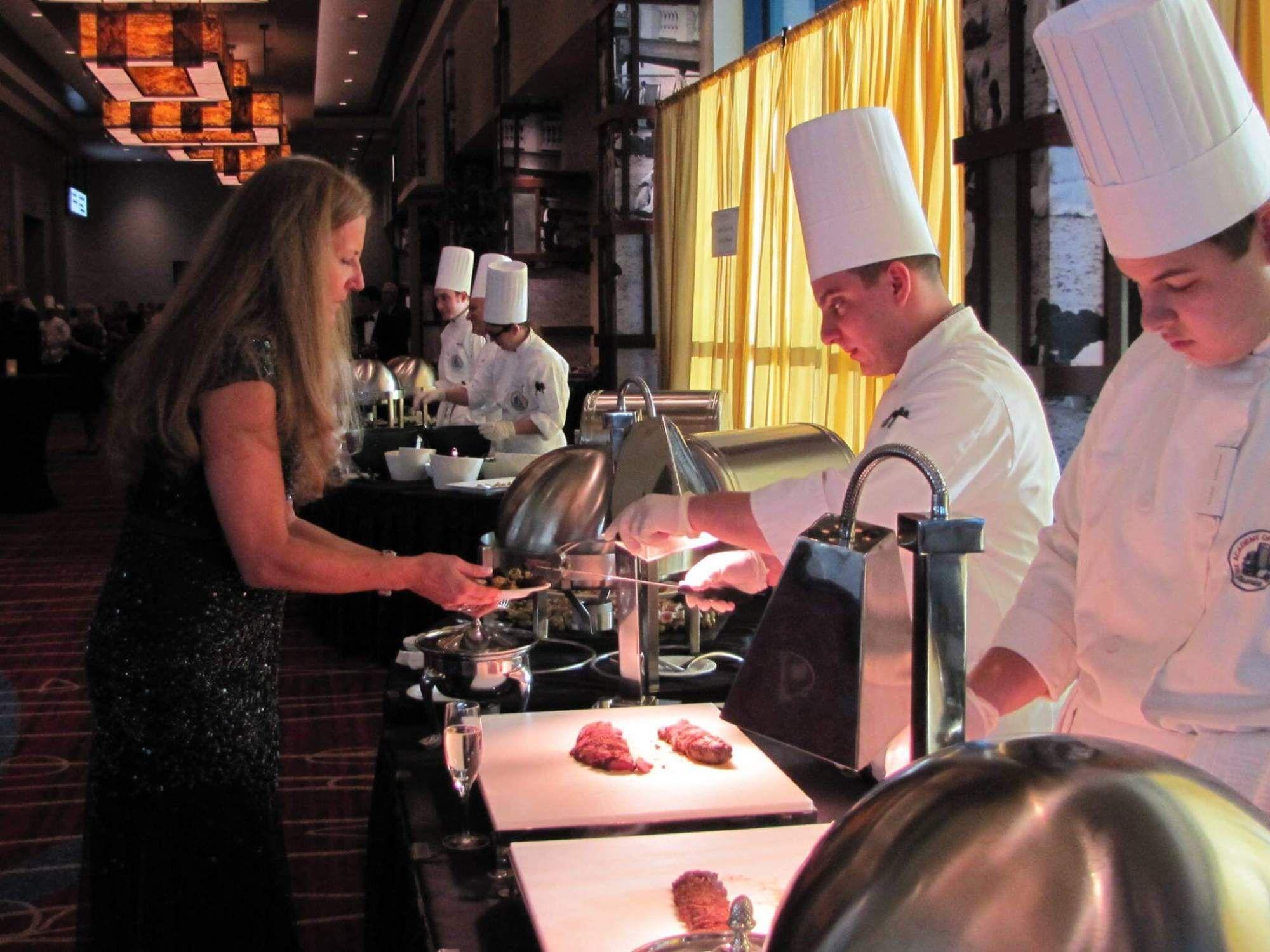 Student Chefs Cast Culinary Magic At Atlantic City Restaurant Gala Atlantic City Atlantic City Restaurants Harrah