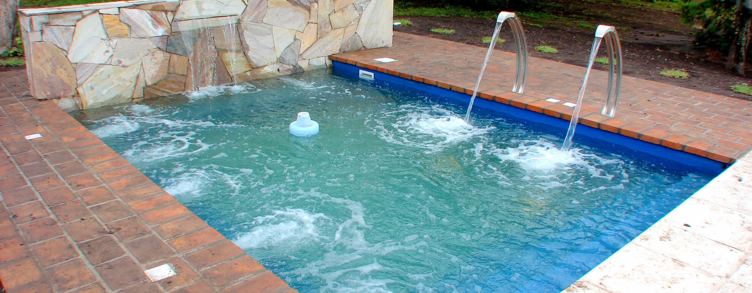 10 Pools That Are Perfect For Small Gardens Homify Pool Small Gardens Luxury Garden