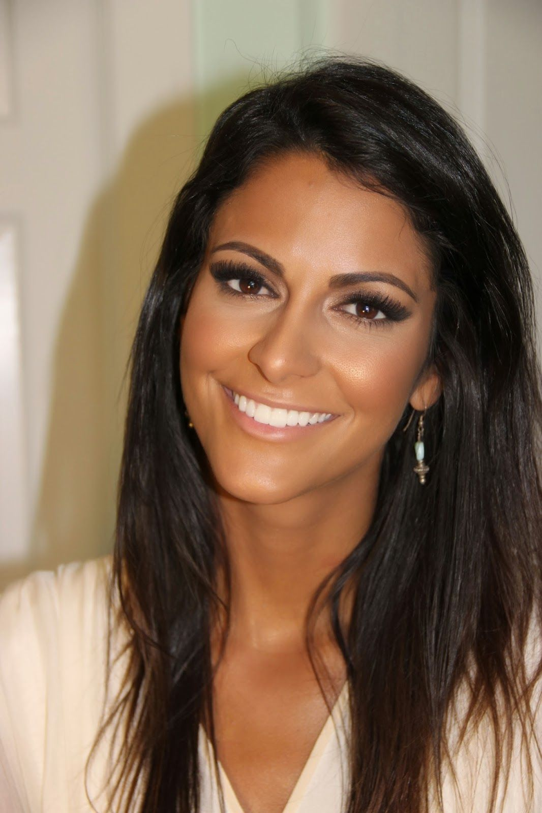Makeup for medium to tan skintones Tanned makeup, Hair