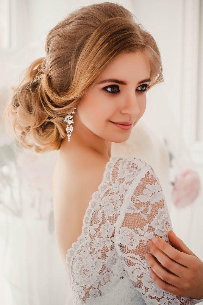 Свадебная прическа с живыми цветами, Свадебные прически с ...