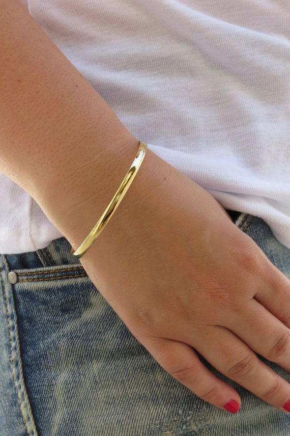 Stainless Steel Clean Trendy Bangle with Round Plate Simple UK