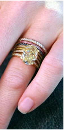 Rebecca Romijns wedding rings from Jerry OConnell Love the