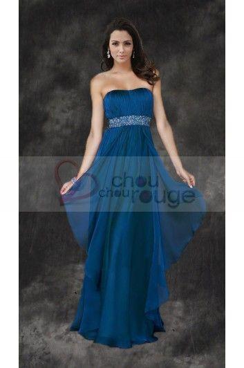 eda84896eb Vestido De Noche Largo Palabra De Honor De Muselina Azul Oscuro Con  Cinturón De Diamantes