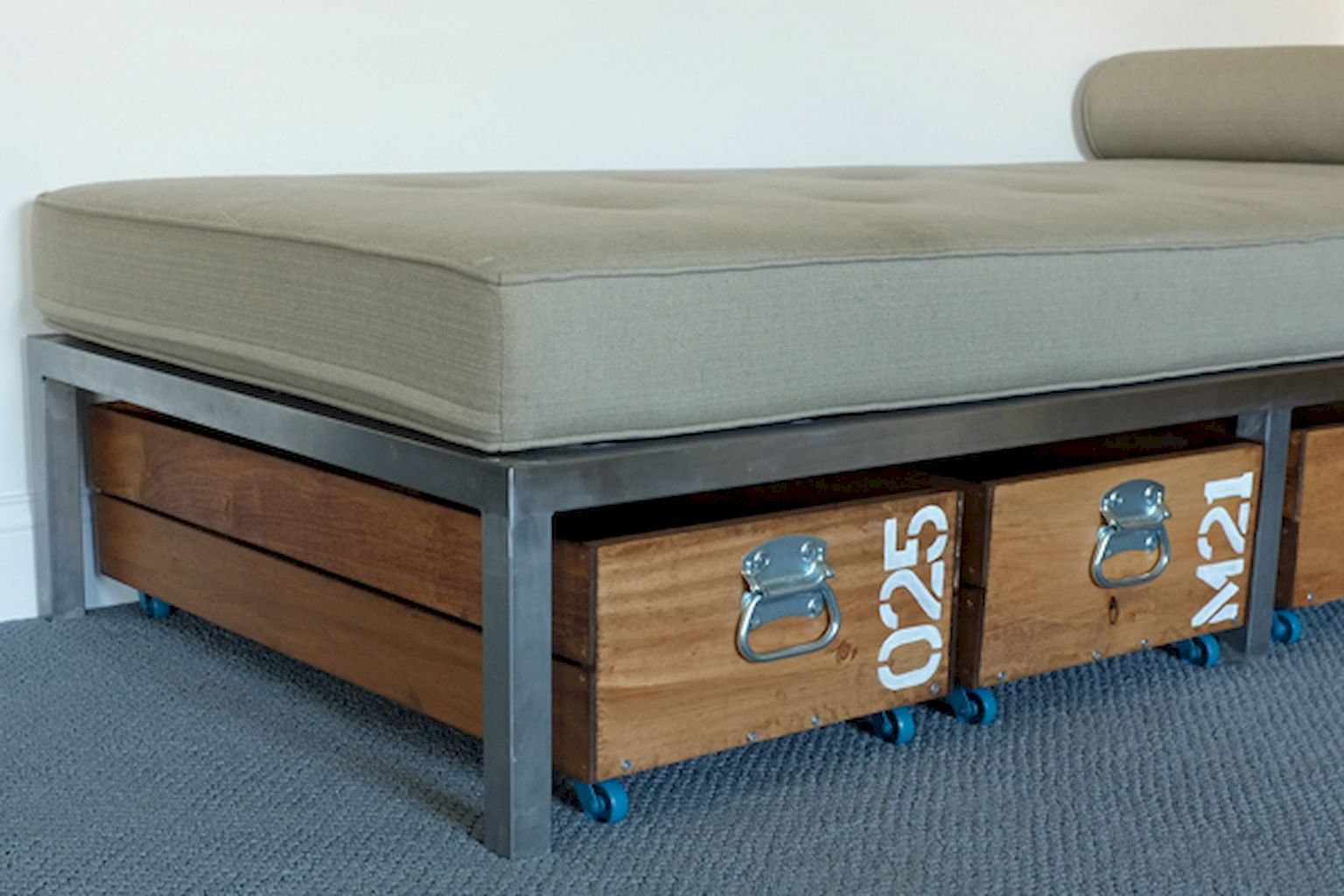 Cool creative under bed storage ideas for bedrooms