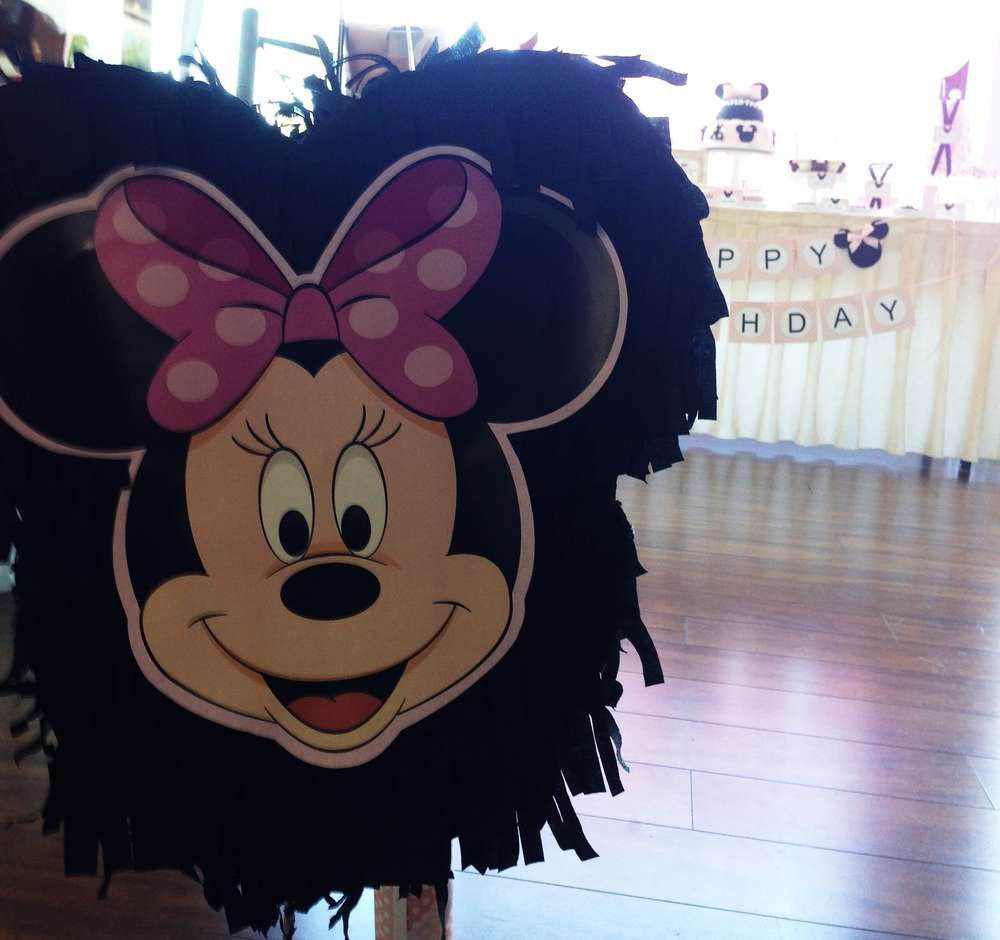 Minnie Mouse Birthday Party Ideas | Photo 13 of 17 | Catch My Party