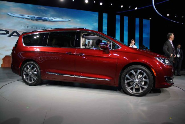 2018 chrysler pacifica model chrysler pacifica car. Black Bedroom Furniture Sets. Home Design Ideas