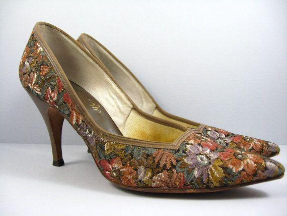 929d4f4ade213 Vintage 1950s Hollywood Glam Floral Silk Brocade Stiletto Pointed ...