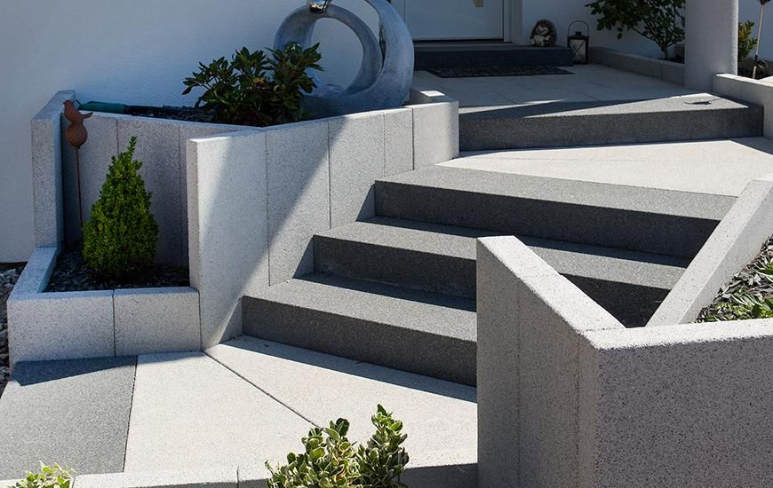blockstufen gartenweg einfahrt auffahrt hauseingang pflastersteine exklusive. Black Bedroom Furniture Sets. Home Design Ideas