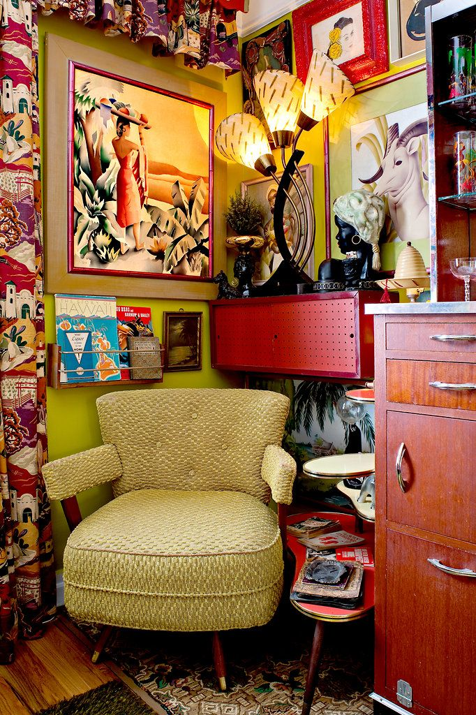 A Collector of '50s Décor Finds an Apartment to Match - Slide Show - NYTimes.com