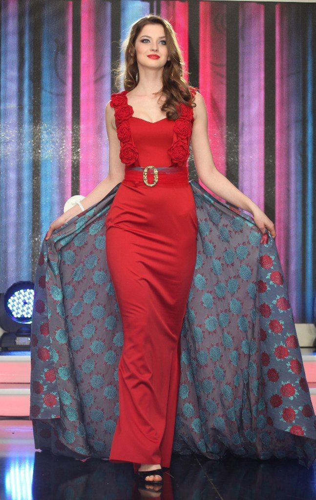 Miss Ukraine World 2013: Anna Zayachkivska | Beauty Queens