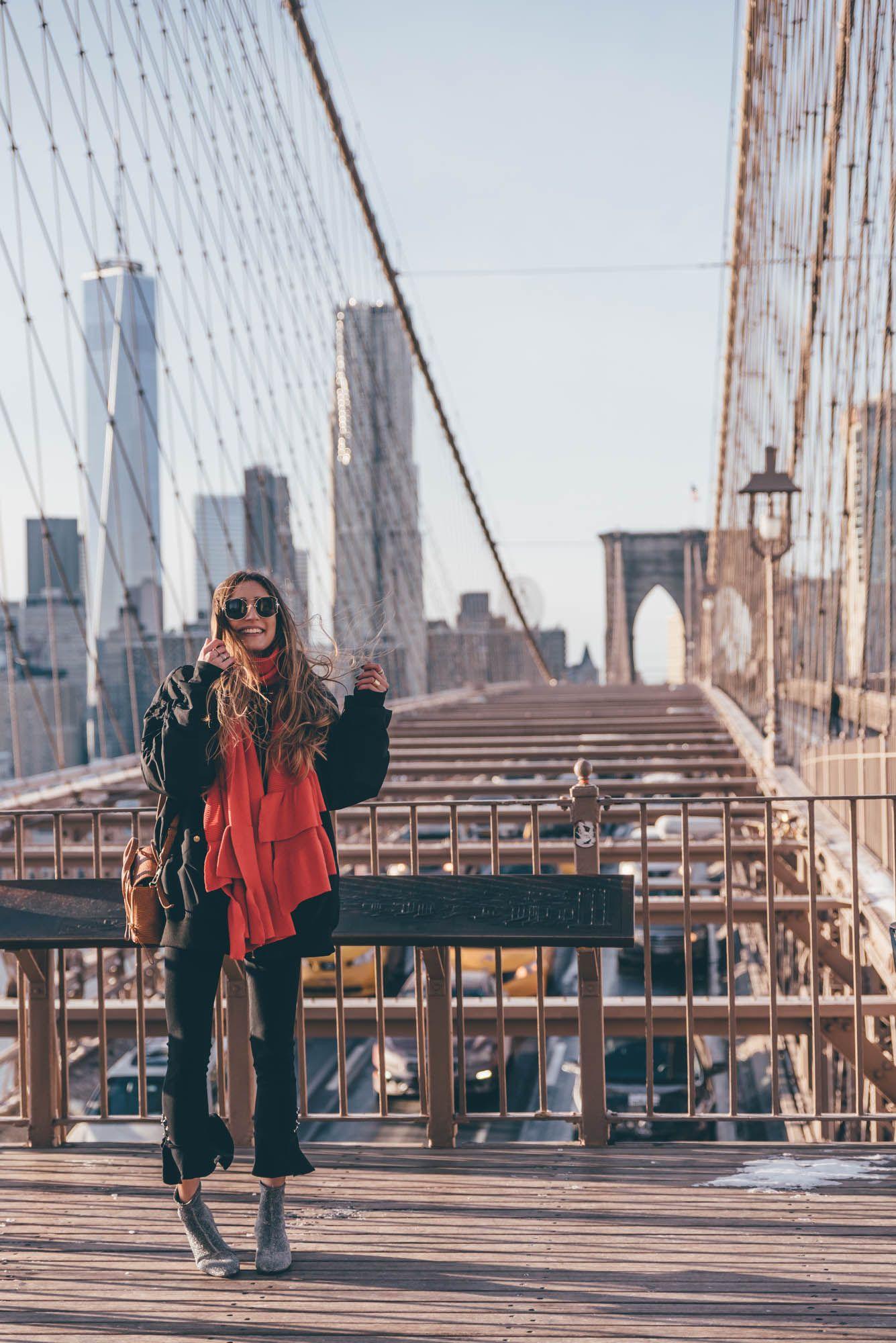 Brooklyn Bridge New York City on THELFASHION.COM | Wearing Glitter Boots, Skinny Jeans & oversized Bomber Jacket