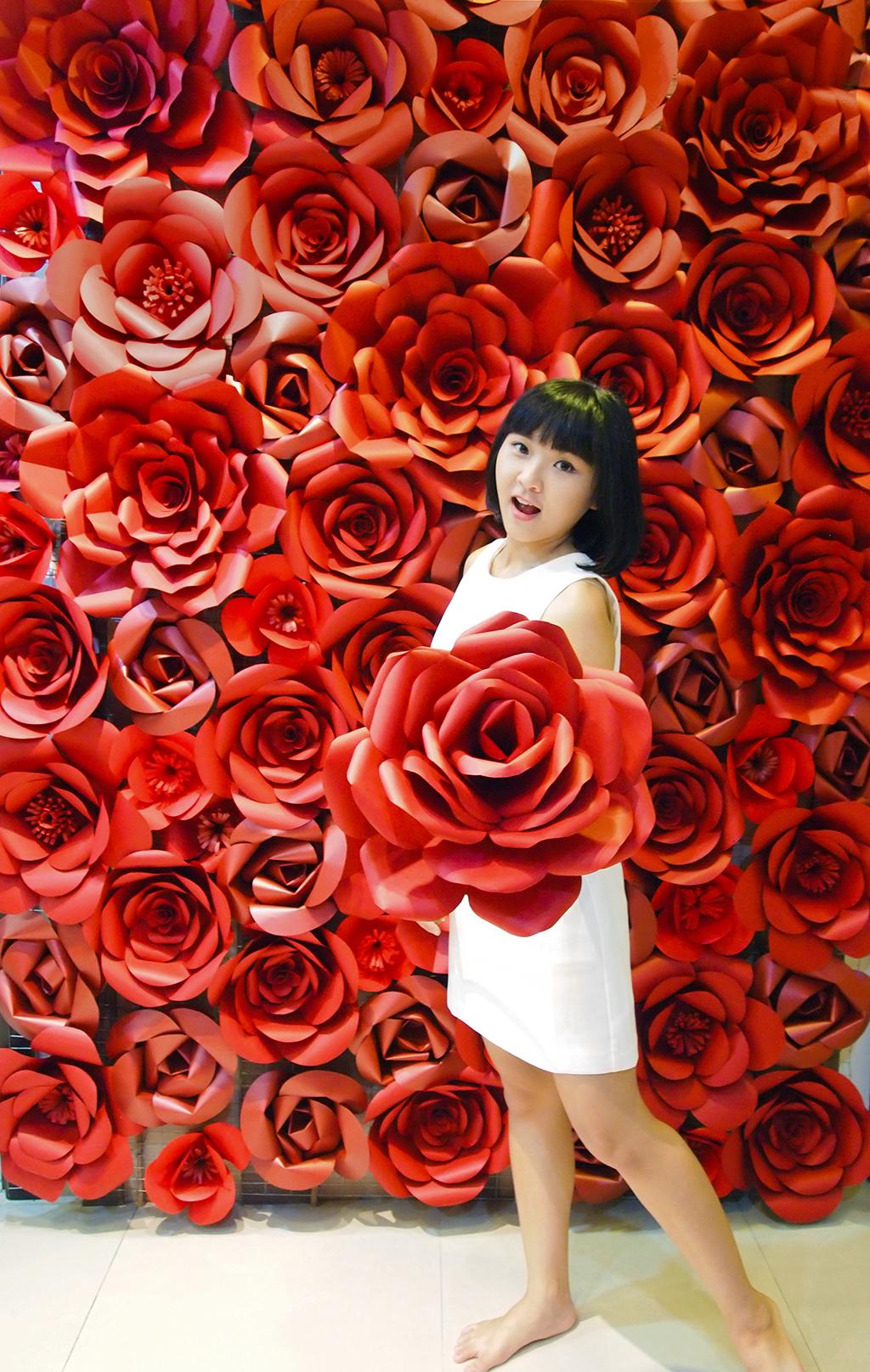 Hwehts Giant Red Paper Flowers Backdrop Redbackdrop