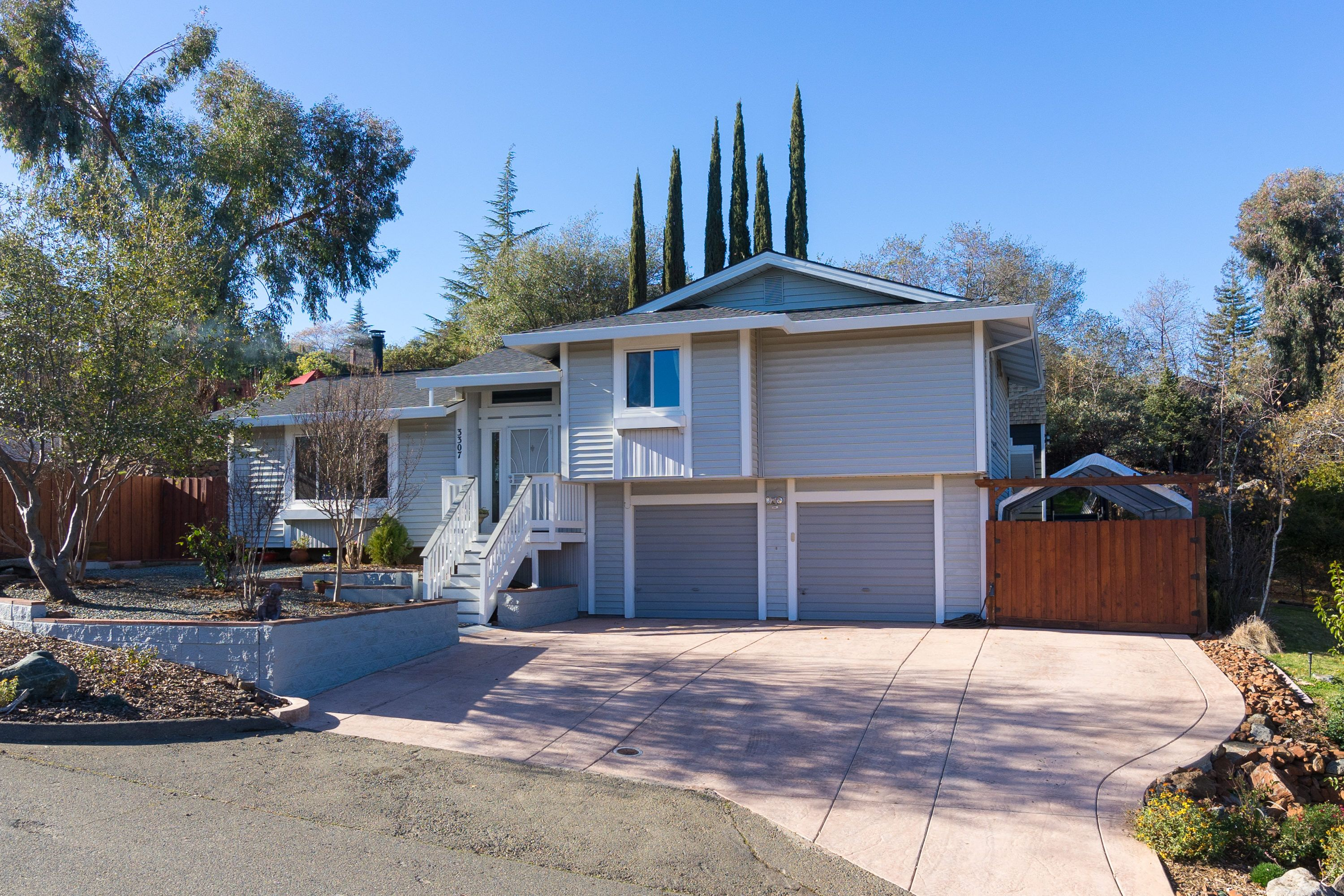 3307 Turner Circle Cameron Park, CA 95682 Charming 3bd/2ba Home With Many  Extras
