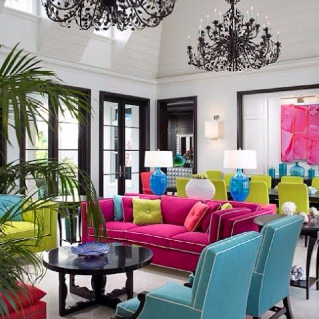 Contraste de cores fez do ambiente um recanto moderno de puro glamour! Foto: Aubrey Brouk