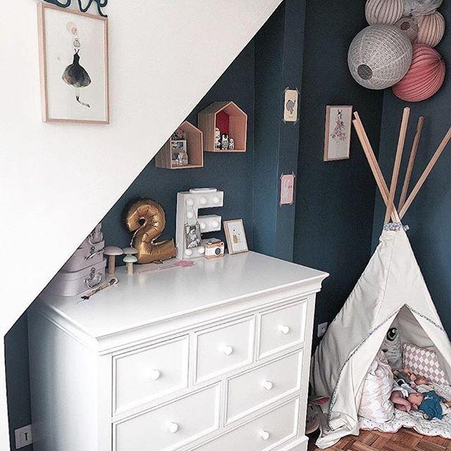 Chambre rose et bleu foncé | Idées déco pour une chambre de bébé ou ...