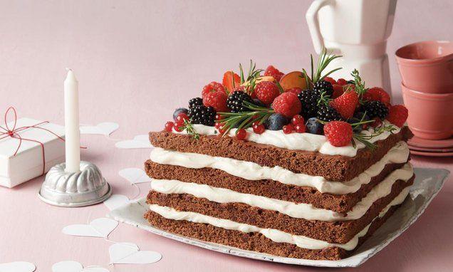 Sommerlicher Naked Cake: Schoko-Erdbeertorte | Kleid & Kuchen