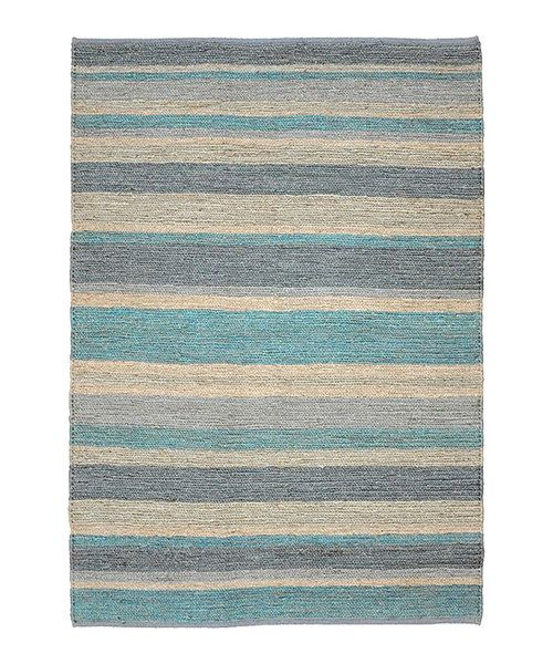 Warm up the floorboards with the rich hues of this rug. Boasting handsome jute construction, it's sure to put some pep in every step.Available in multiple sizesRug thickness: 0.25''JuteMade in India