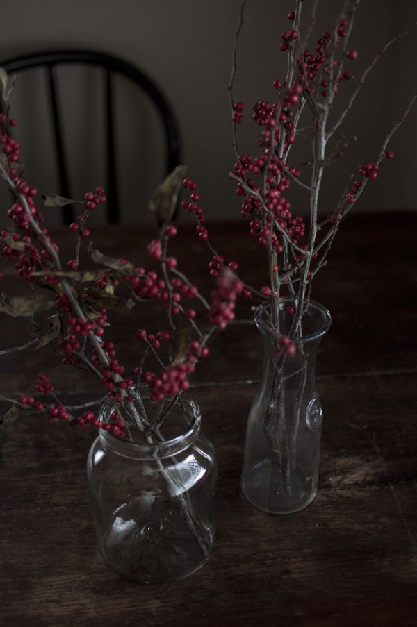Simple centerpieces, rustic table, black chair   home ...