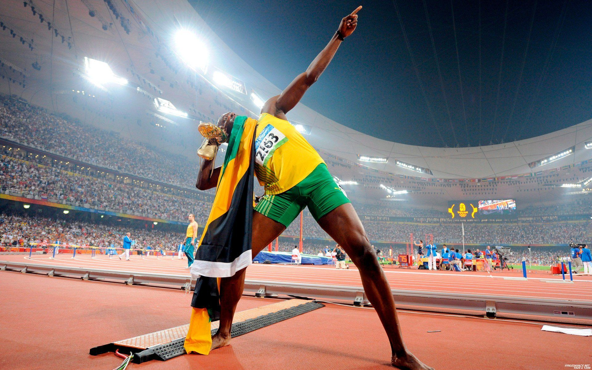 Usain Bolt. JaBoy rocks.   Usain bolt, Usian bolt, Track ...